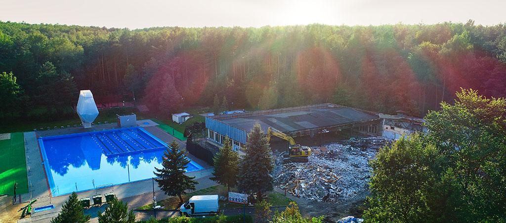 Generalny wykonawca inwestycji budowlanych - prace wyburzeniowe basen Wolbrom